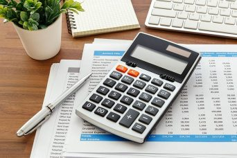 Calculating expenses and refunds