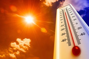 Large thermometer showing extreme heat